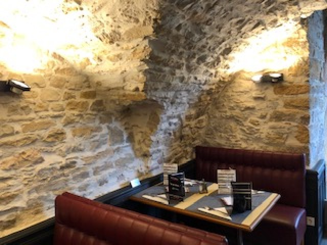 Le Caveau De Neuville sur Saône